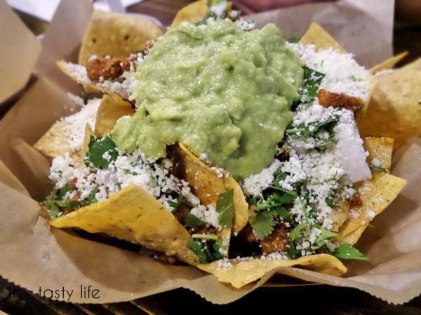 nachos-with-adobada-at-salud