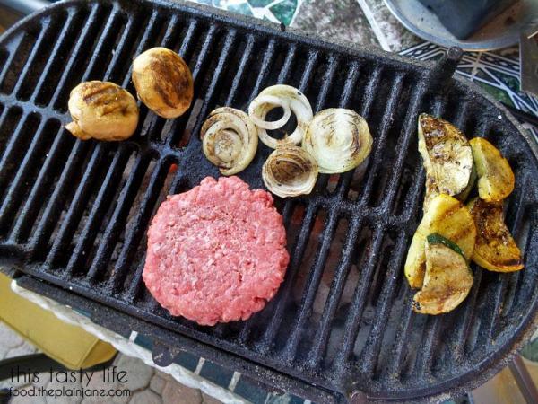 burger-and-veggies-hiachi