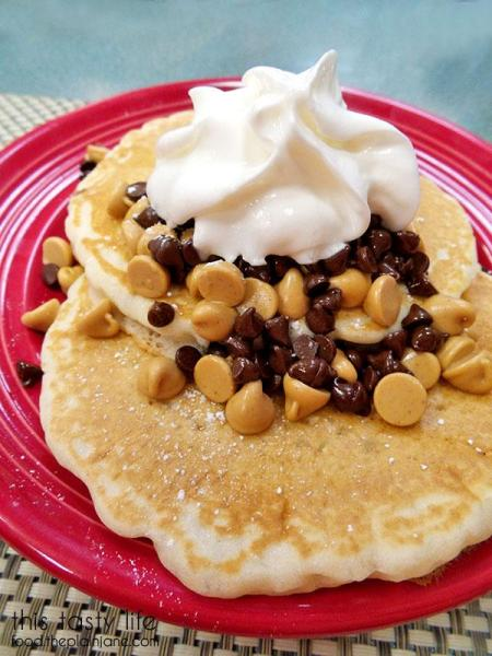 peanut-butter-chocolate-chip-pancakes