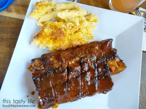 ribs-macaroni-cheese