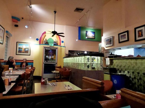 interior-crest-cafe