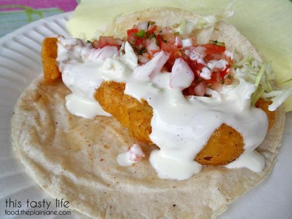 el-taco-riendo-ensenada-fish-taco