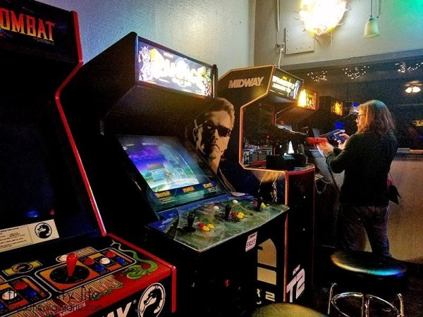 Mortal Kombat, Rampage, Terminator 2 video games at Brewskis Barcade | Miramar - San Diego, CA