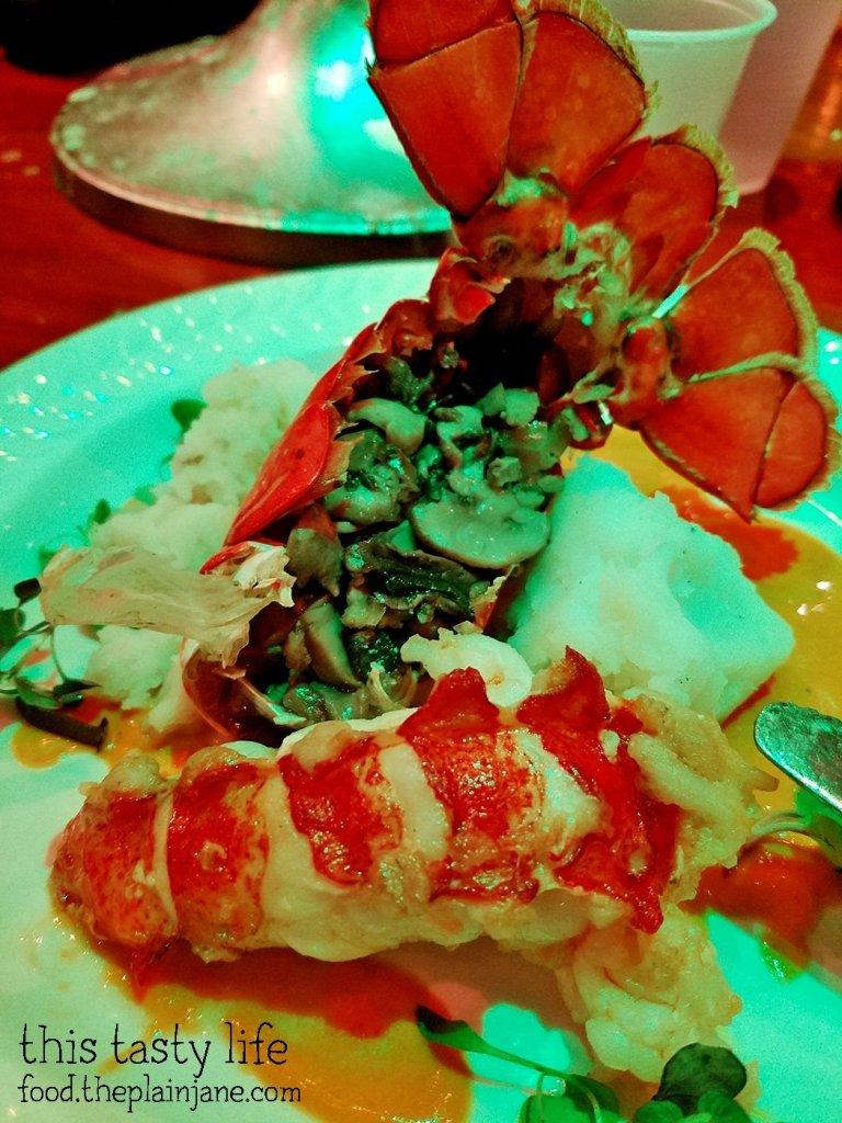 mushroom-stuffed-lobster-shell