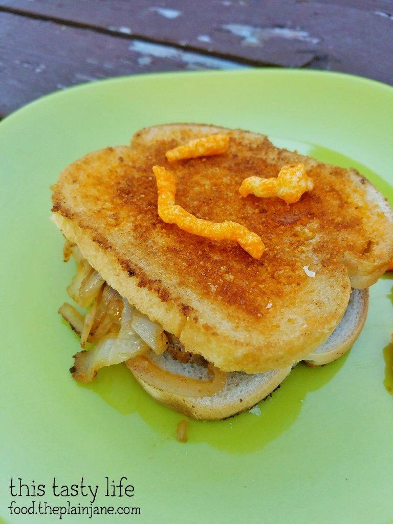 cheetoes-patty-melt-burger