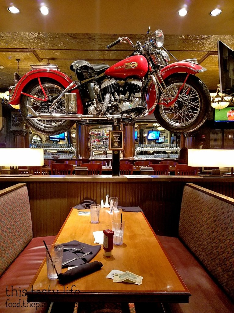 motorcycle-booth