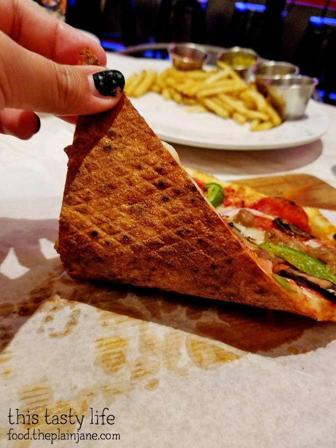 Pizza Crust | The New Yorker | Downtown San Diego, CA