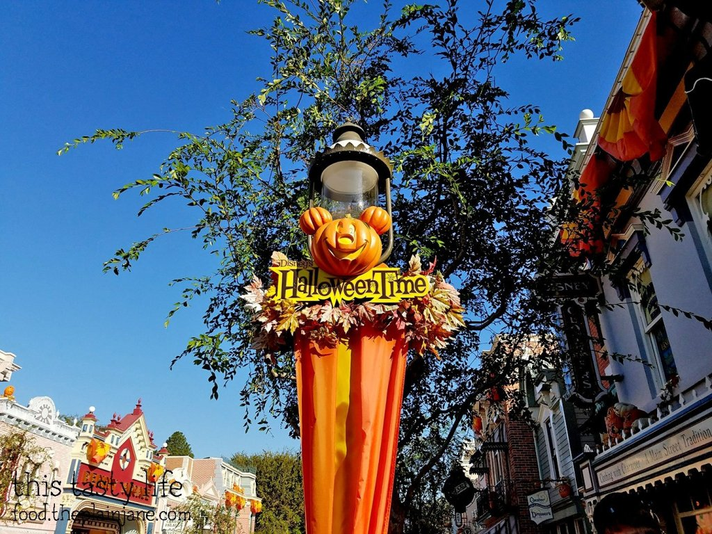 disney-halloween-time
