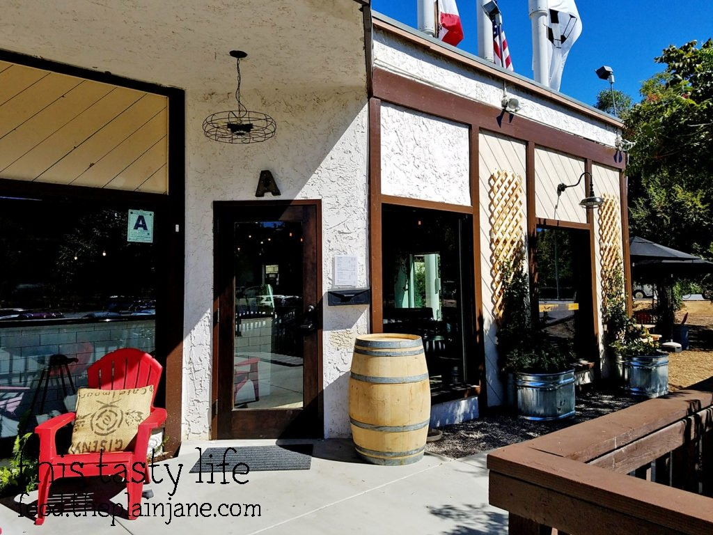 Exterior - The King's Craft Coffee Co / Poway, CA