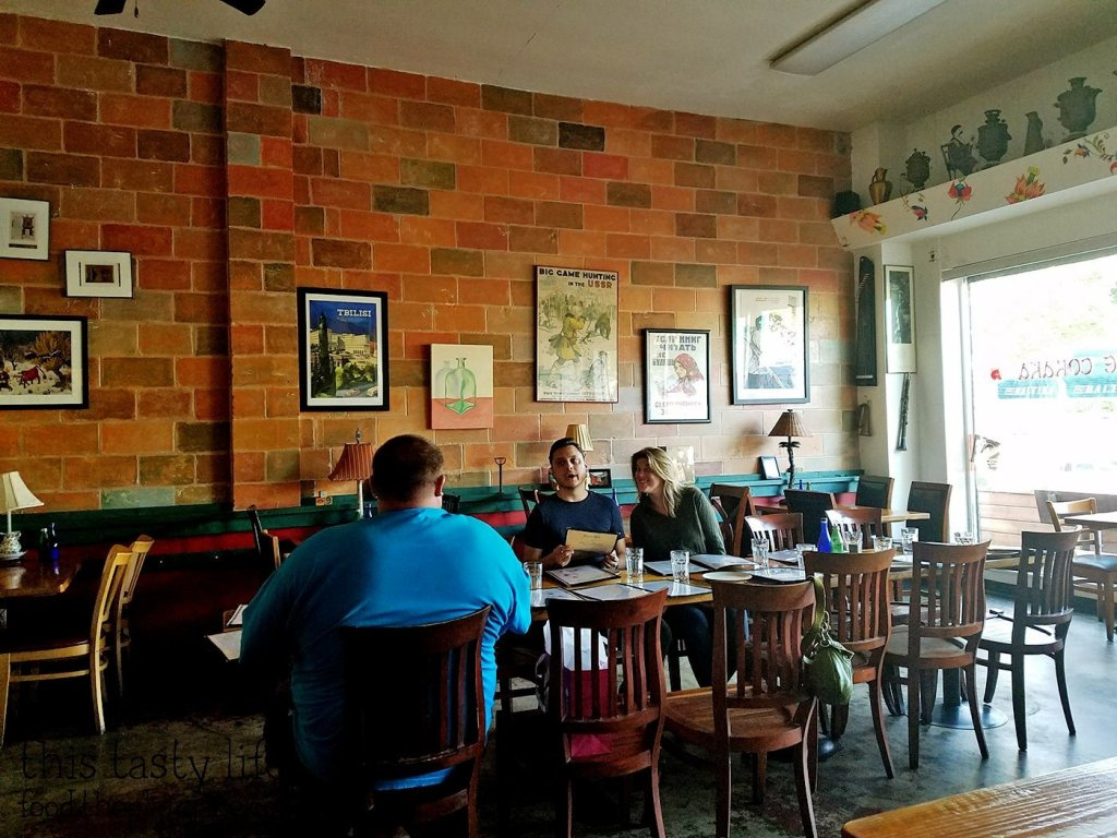 Kafe Sobaka Restoran Pomegranate - San Diego, CA