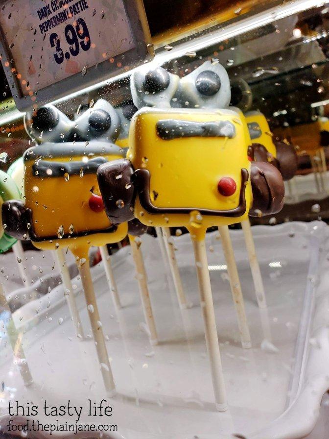 WALL-E Cake Pop - Disney California Adventure