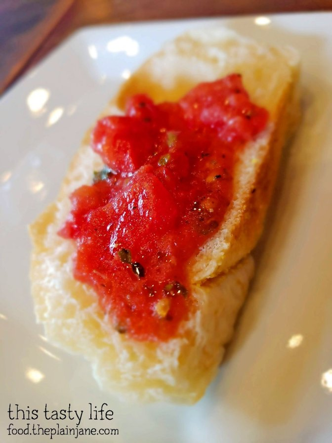 Warm bread with tomatoes