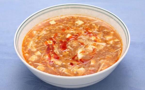 アイラブ中華のサンラータン。酸っぱいとか辛いとか、そのくせ卵はふわふわだとか。口の中が幸せなのです。