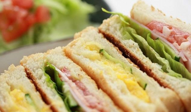 朝食の大事さ教えます。私の朝はパン食。サンドイッチなどで野菜を取りましょう