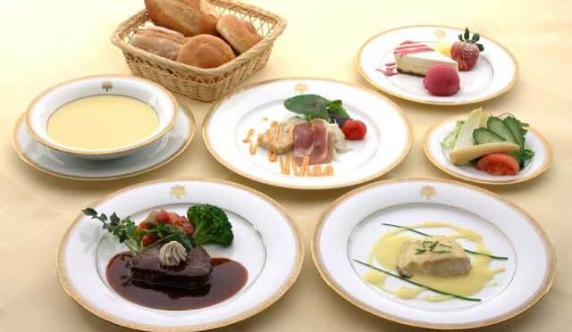 絶品日光金谷ホテルのディナー。パン好きの方にはぜひお勧めしたい