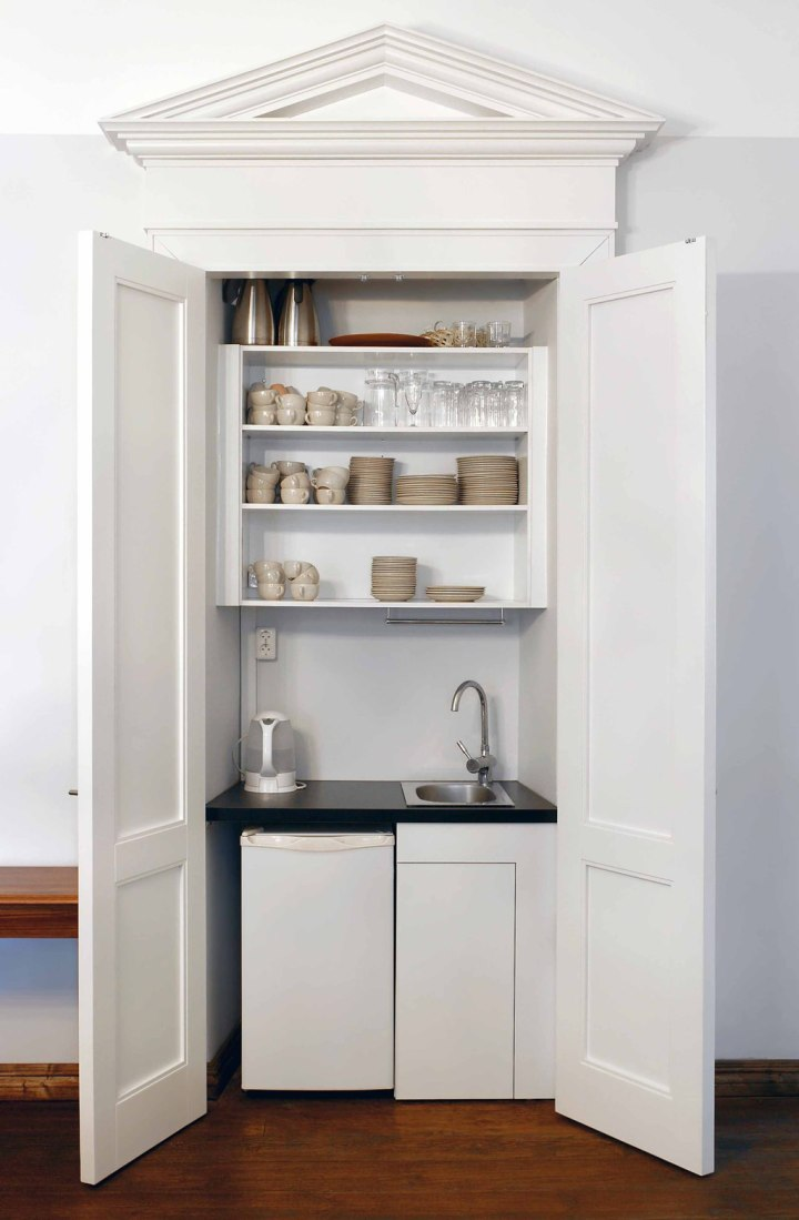 Beyond The Occasional Wipe Down With A Rag Kitchen Cabinets And Cupboards Needs