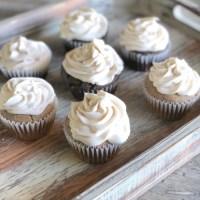 Spice Cake Cupcakes & Vegan Frosting