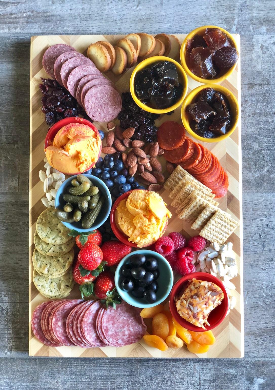 How to Make a Charcuterie and Cheese Board #kaukanua100 #ad