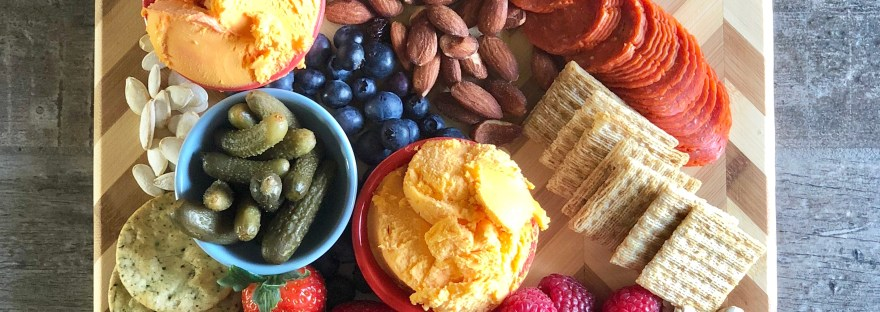 How to Make a Charcuterie and Cheese Board Earn $0.75 with ibotta #ad #Kaukauna100 food allergy friendly cheese spread charcuterie board how to holiday appetizer side dish party food