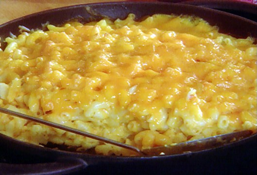 Macaroni and cheese with sour cream