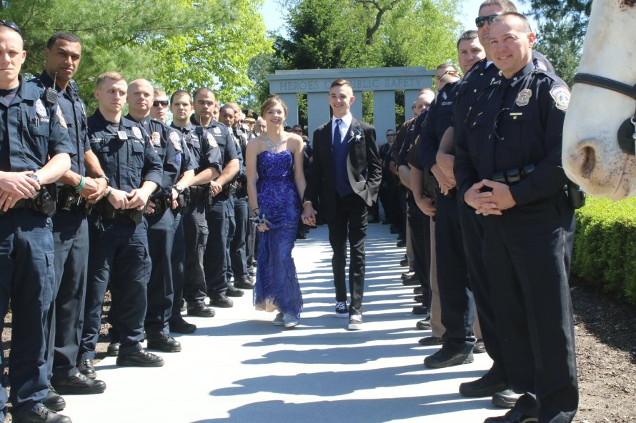 Daughter of fallen IMPD police officer gets special send-off to prom