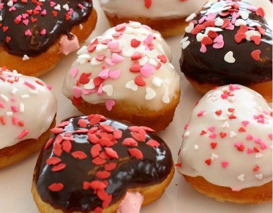 EASY VALENTINES DONUTS