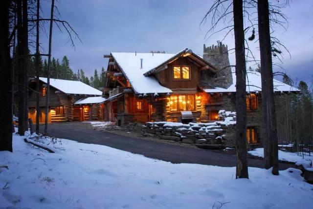 Dream Home~ Ski Haus by Lohss Construction