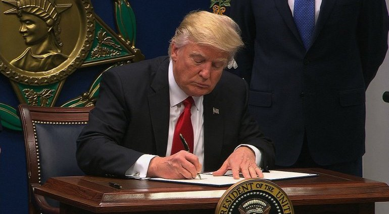 judge halts Trump travel ban nationwide