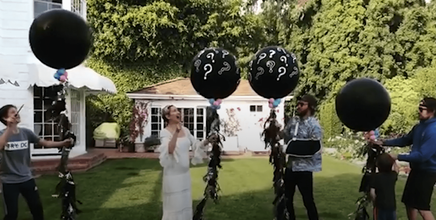 Kate Hudson Announces Pregnancy and Reveals Baby's Gender
