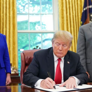President Trump Signs Executive Order Ending Migrant Family Separations At Border