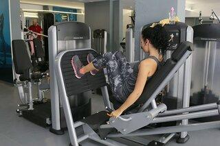 Leg press - full body workout op apparaten