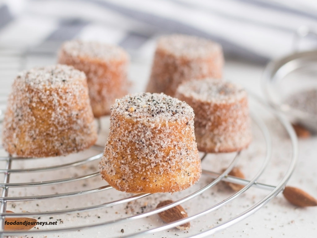 Swedish Almond & Cardamom Mini Cakes