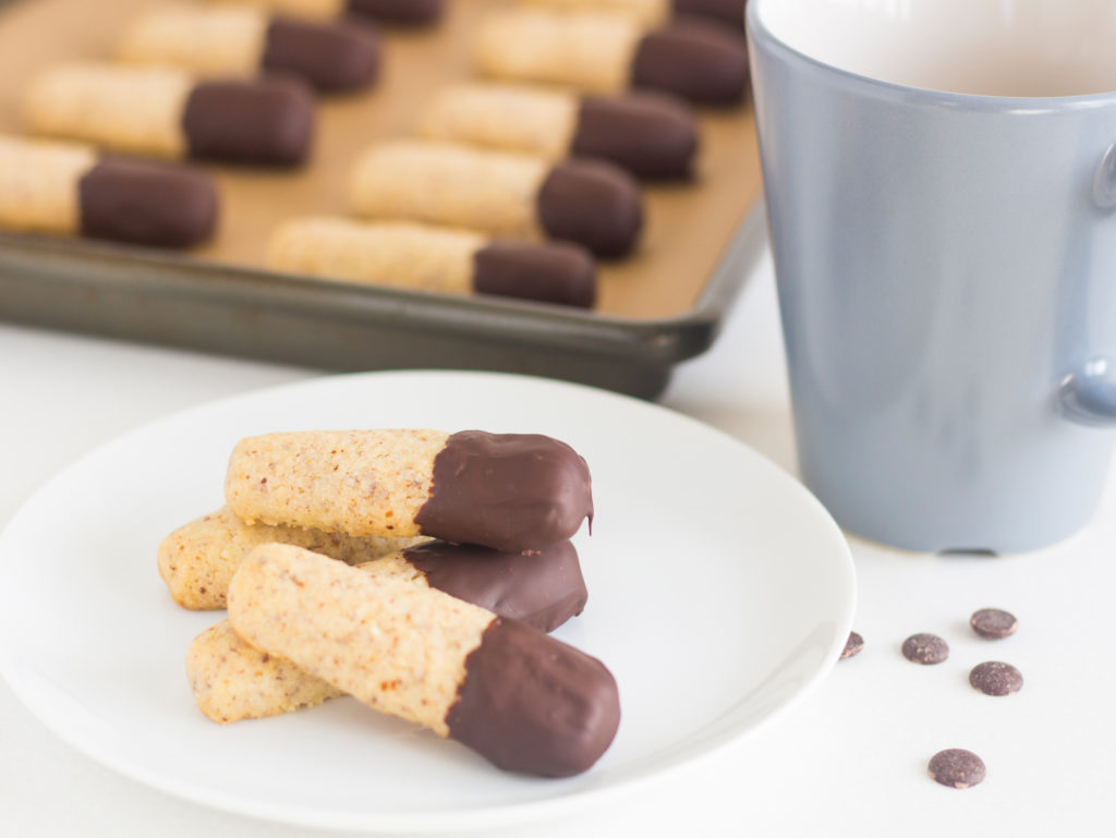 Swedish Chocolate Cigars (Chokladcigarrer)|foodandjourneys.net