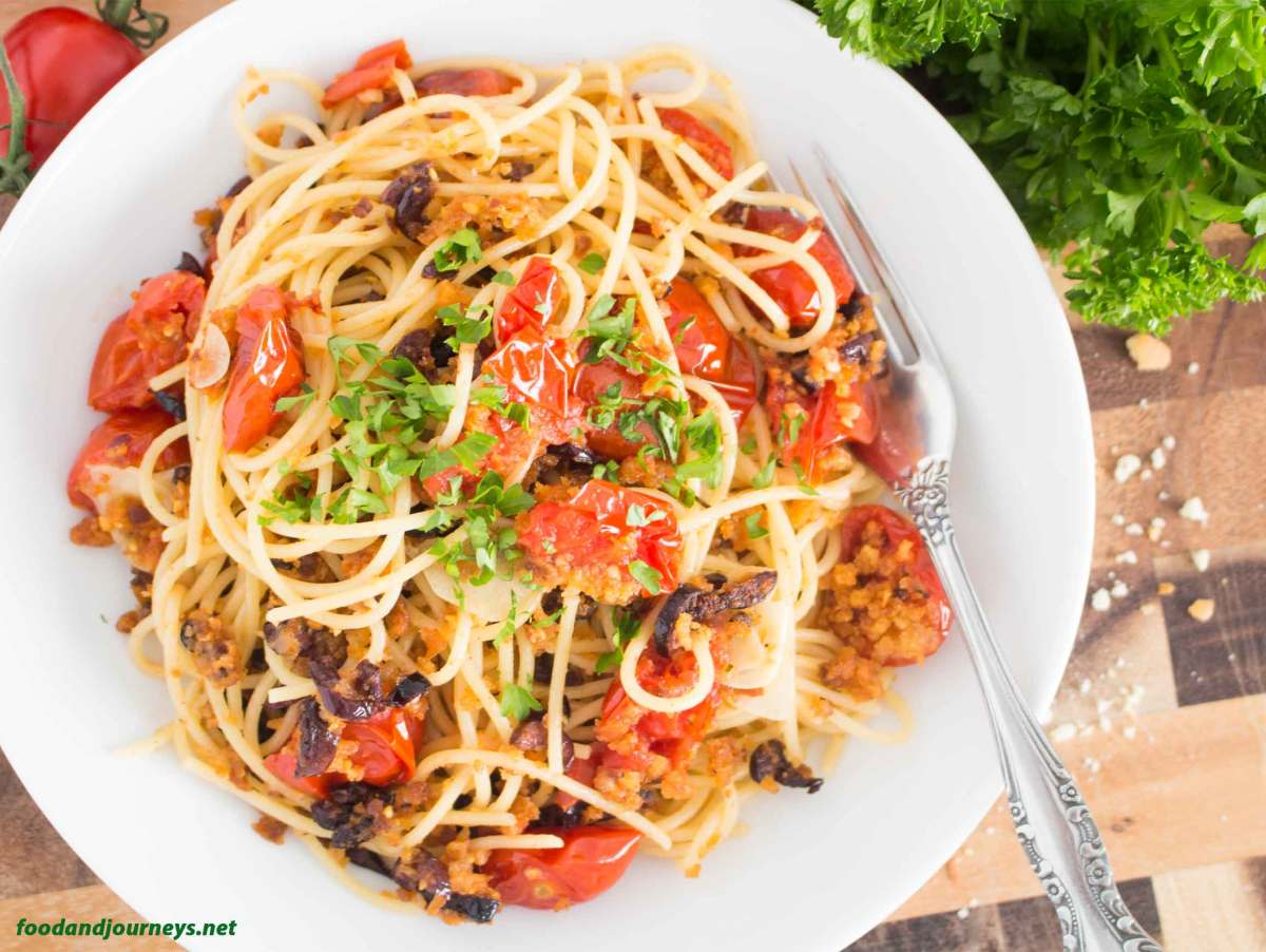 Roasted Breadcrumbs & Cherry Tomatoes Pasta