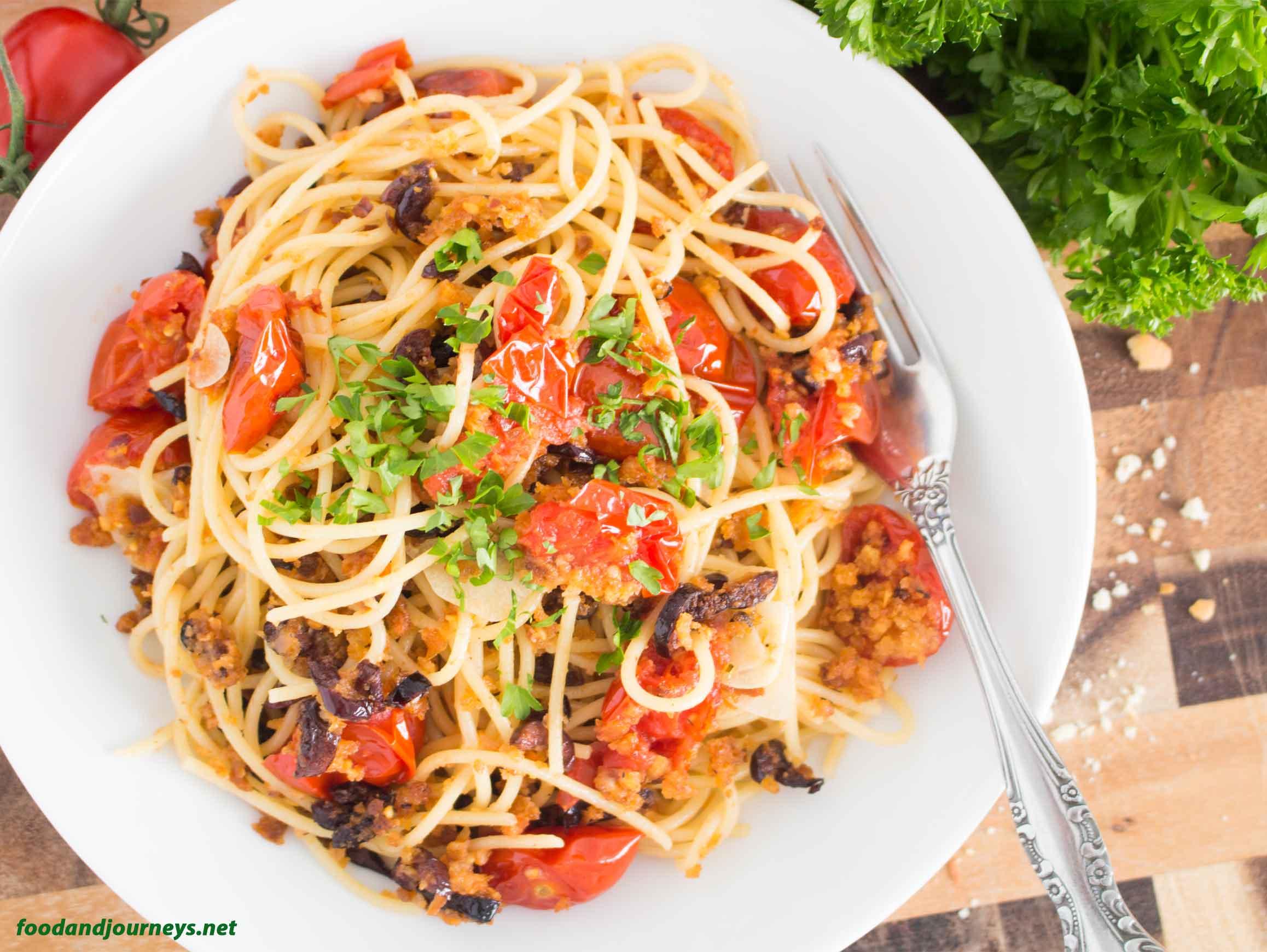 Roasted Breadcrumbs and Cherry Tomatoes Pasta MainPic|foodandjourneys.net