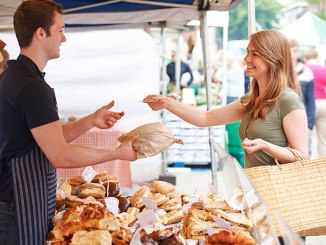 Navigating the Farmers Market - Food & Nutrition Magazine - Student Scoop
