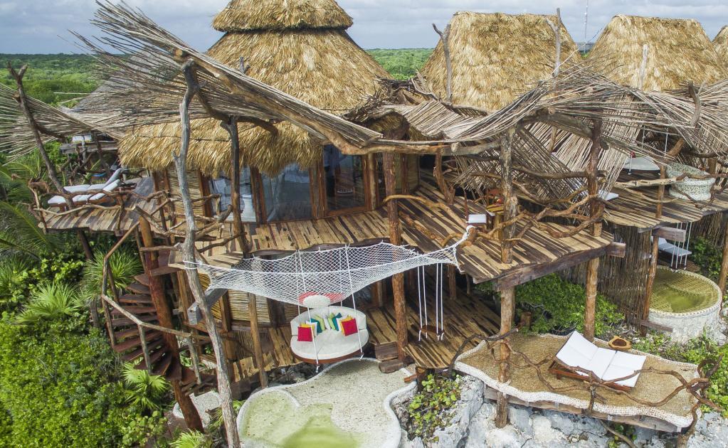 Hosp date en una casa del rbol ubicada en plena selva de for Hotel con casas colgadas de los arboles