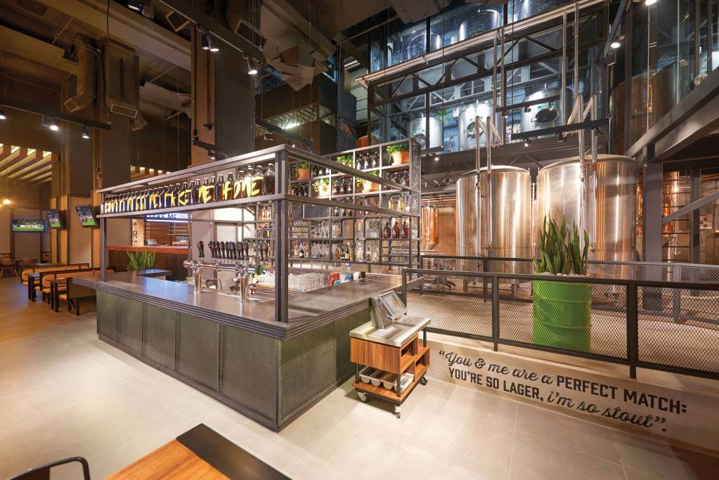 Este restaurante de la CDMX se encuentra dentro de una fábrica de cerveza artesanal (y te va a encantar)