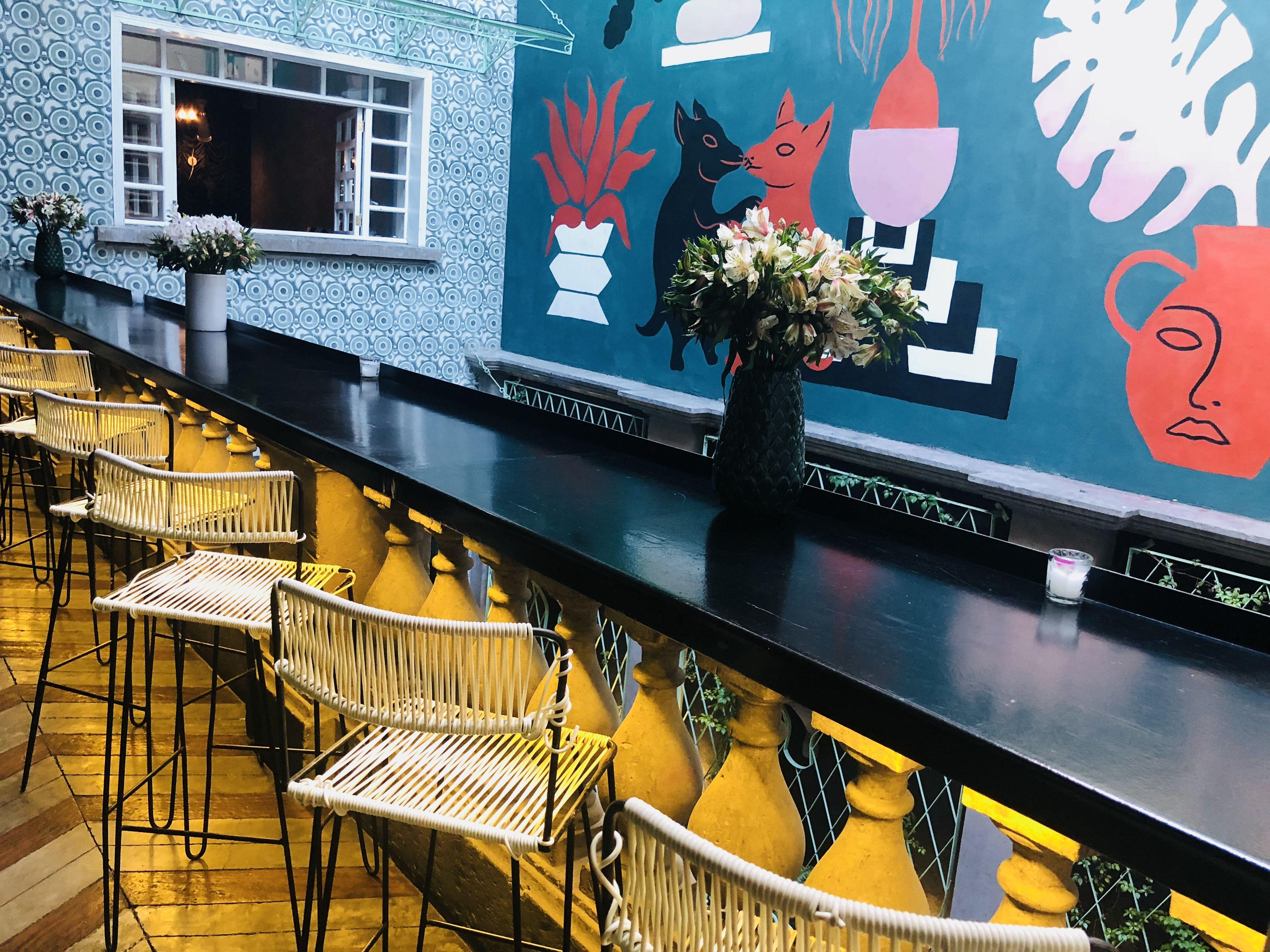 Tarde De Terraceo Arte Y Drinks En Hotel Casa Awolly