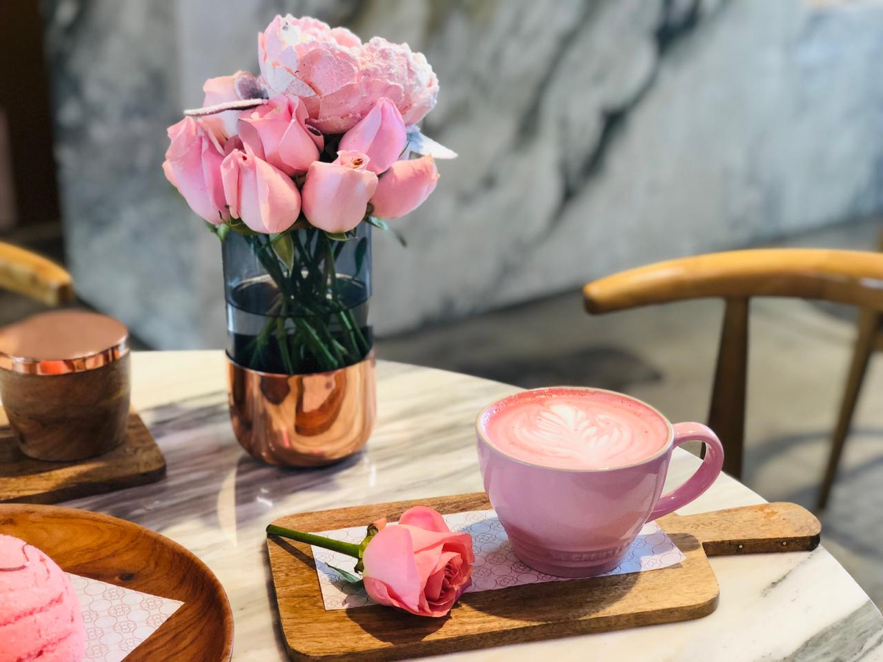El Red Velvet Latte de Flora Caffé es la bebida caliente más divina y 'hygge' de la CDMX