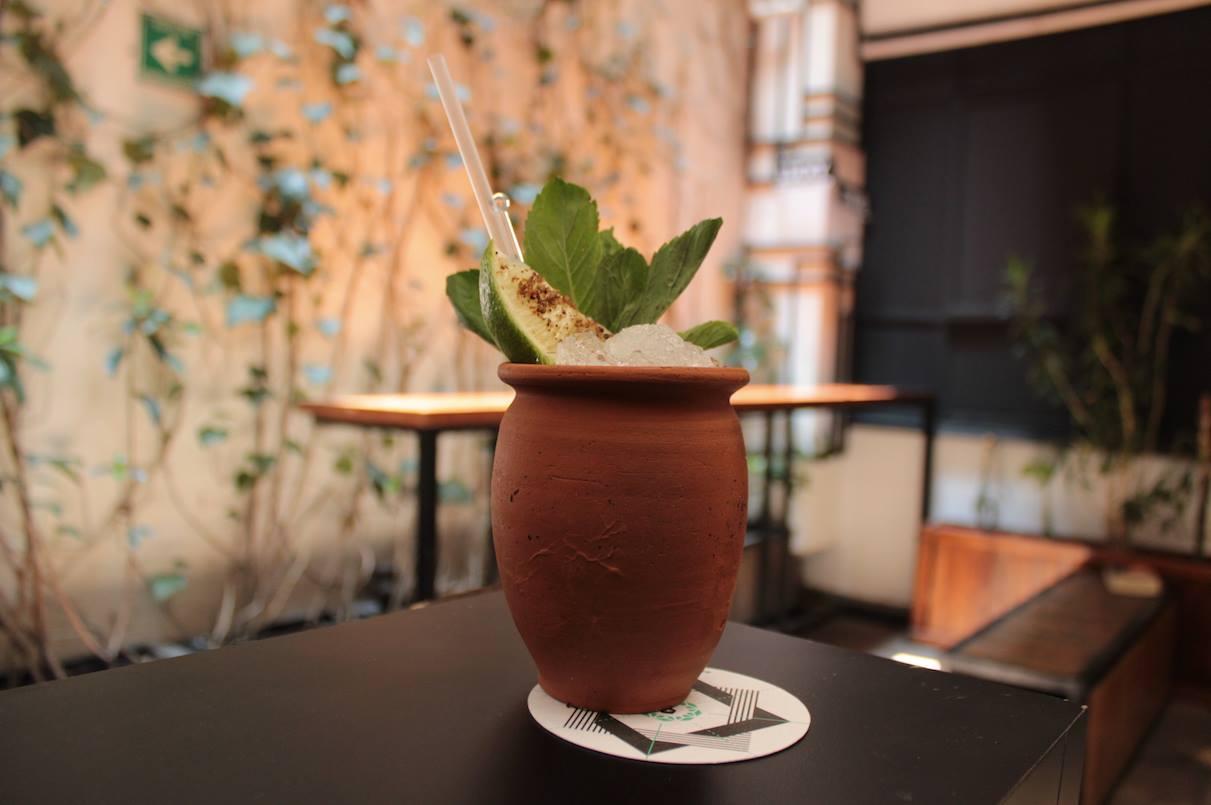 6 bares en la CDMX donde encontrarás los mejores cócteles con mezcal