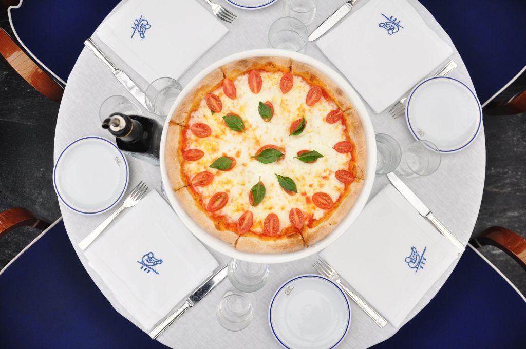 Cipriani: Pasta, pizza y vino en una espectacular terraza de Masaryk