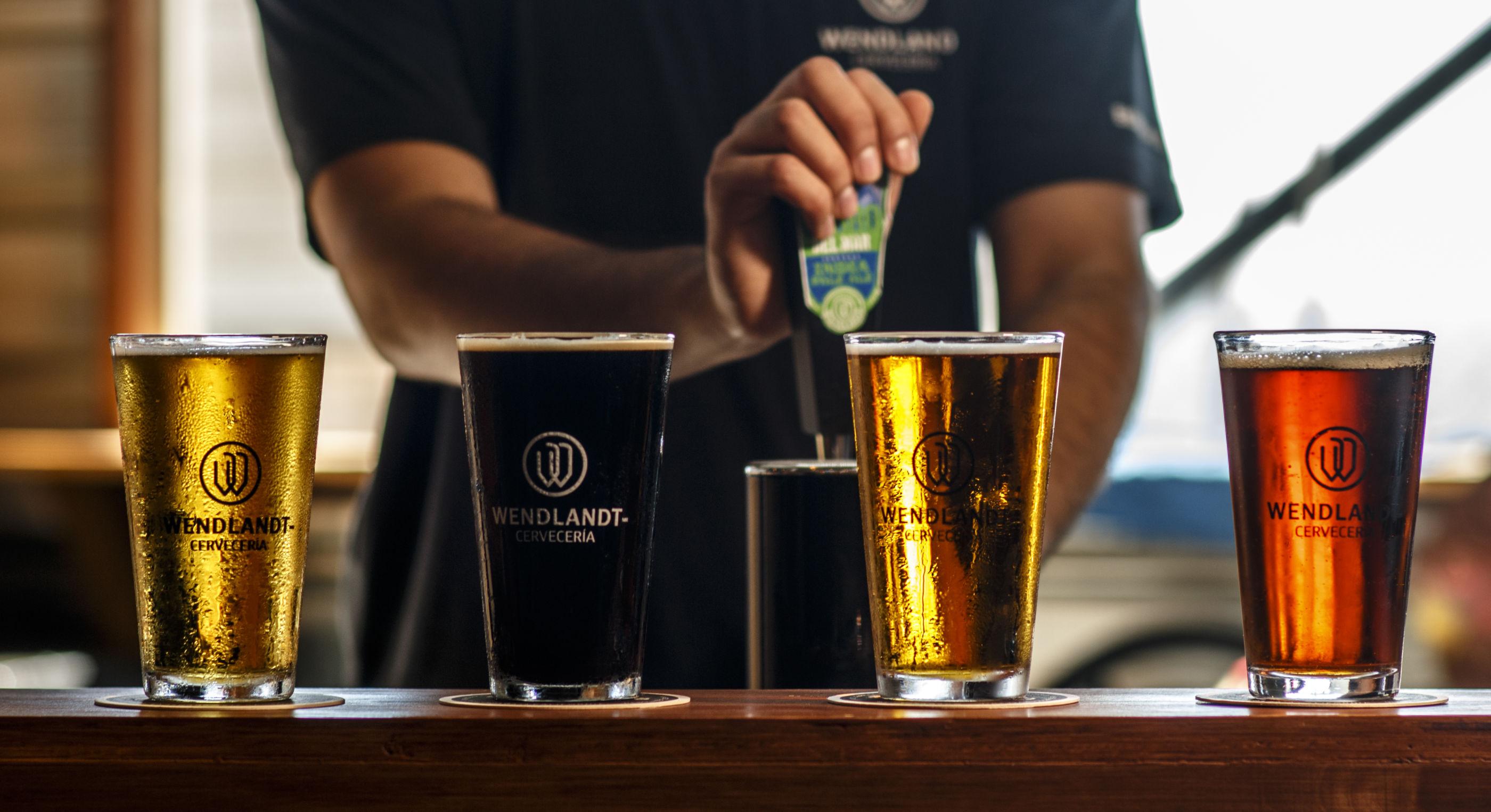 5 errores que cometes al tomar cerveza y no sabías