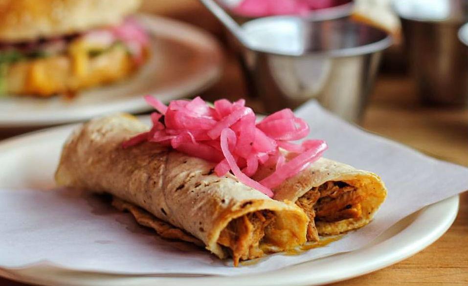 7 lugares para comer exquisita cochinita pibil en la CDMX (te sentirás en Yucatán)