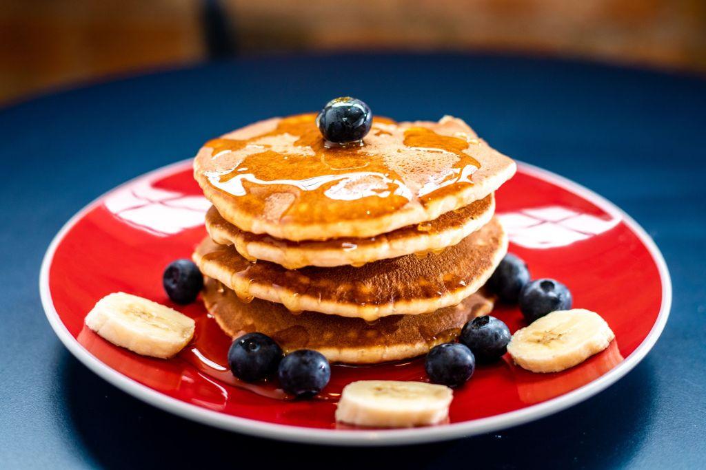 6 restaurantes para desayunar hot cakes en la CDMX (esponjosos y deliciosos)