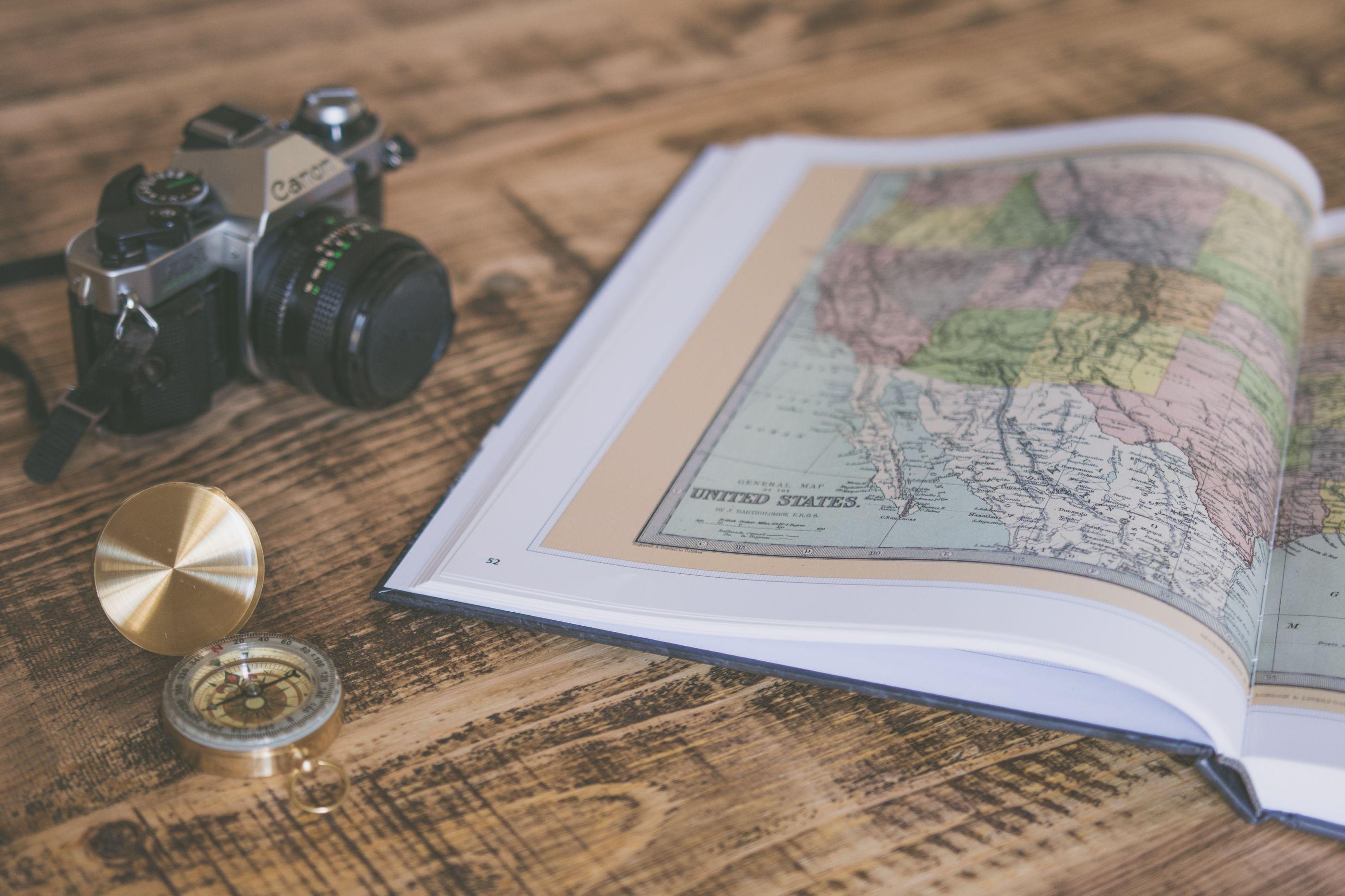 5 prácticos y lindos regalos que todo viajero amará recibir en Navidad