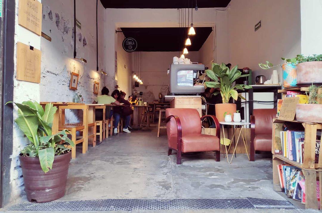 Café y libros: 8 cafebrerías para reconfortarte el corazón en la CDMX