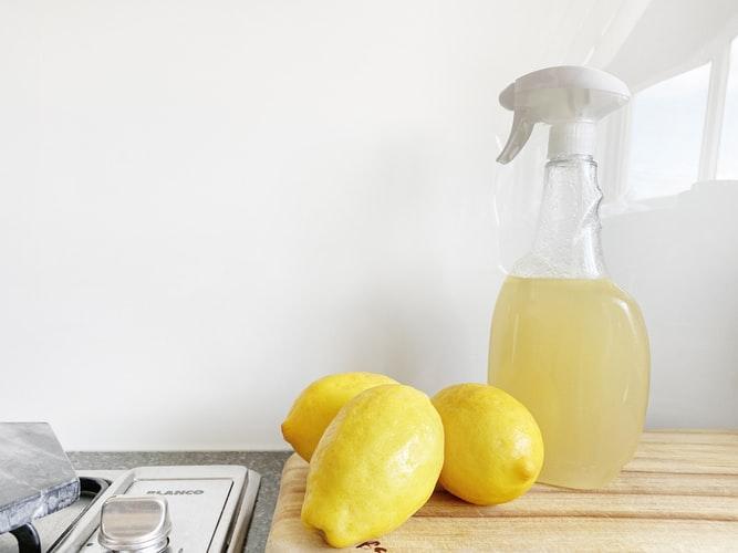 5 productos de limpieza naturales que puedes hacer en casa