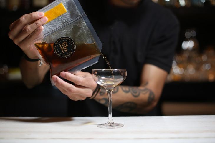 6 bares que tienen opción de 'drinks to go' durante la cuarentena (tu cóctel favorito a domicilio)