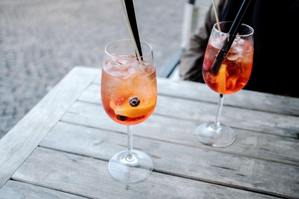 5 'drinks' refrescantes con vino que tienes que preparar